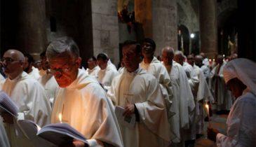 ความแตกต่างที่หลายคนอาจจะยังไม่รู้ระหว่างคาทอลิกกับโปรเตสแตนท์ในศาสนาคริสต์